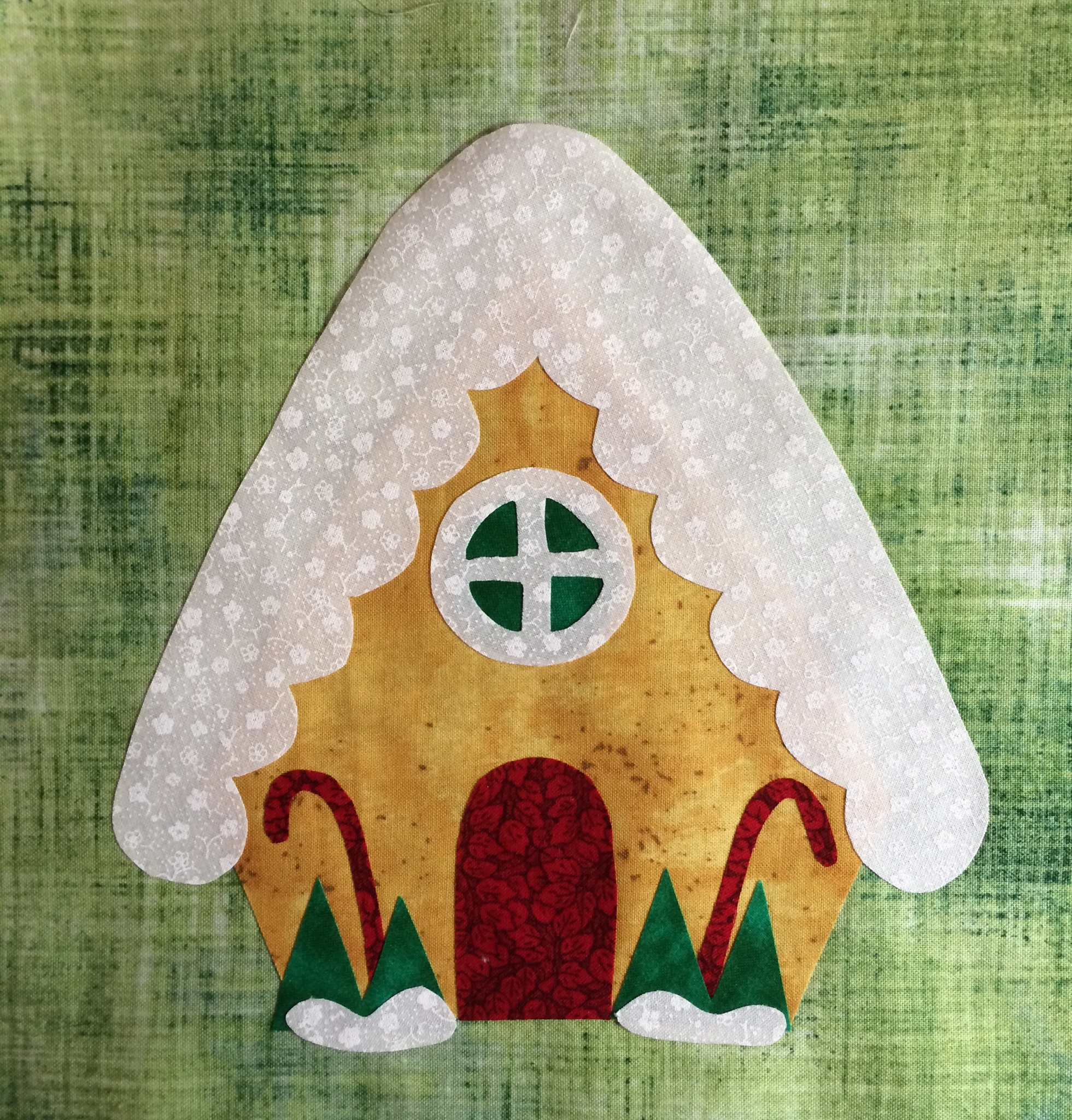 Do You See...? Christmas Block Of The Month 32 The Gingerbread House - Lyn Brown s Quilting Blog